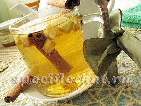 Чай с яблоком, корицей, медом